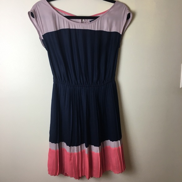 American Eagle Outfitters Dresses & Skirts - American Eagle Outfitters pleated dress